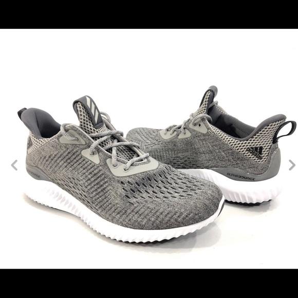 c1ef32963 Adidas Women s AlphaBounce EM Running Shoes Sz.8. M 5bf8a30f194dad7134e83515